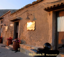 marzamemi-bar-on-the-old-fisherman-house-small